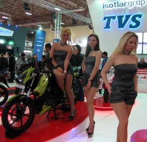 11_eurasia_moto_bike_expo_2014_tvs_manken_stand_hostesleri