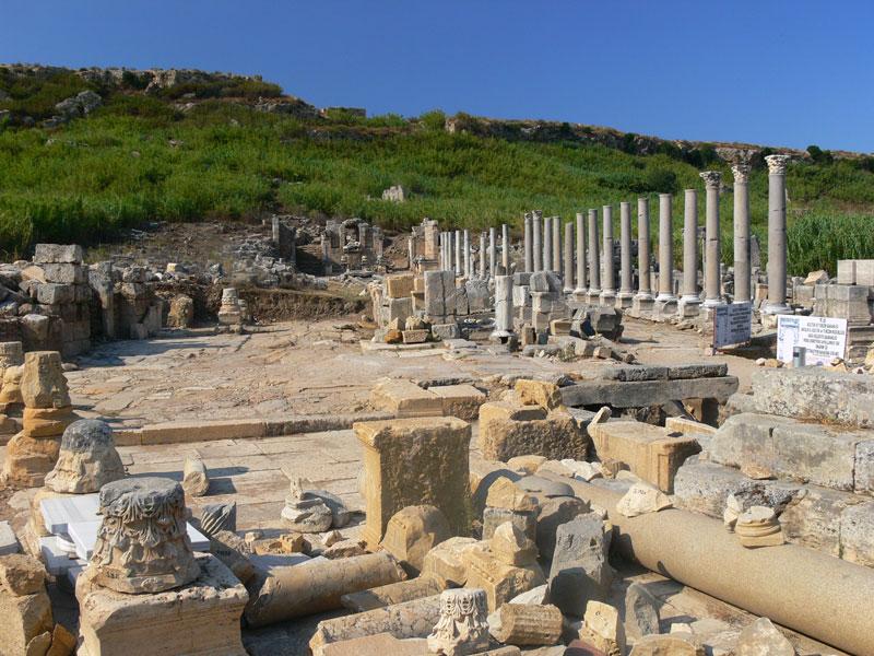 akropol çeşmesine giden yol