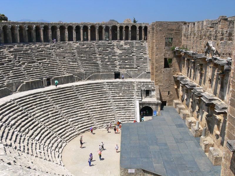 Aspendos Antik Kenti Etkinlikleri : Restorasyon faciası aspendos antik tiyatrosu na mutfak mermeri