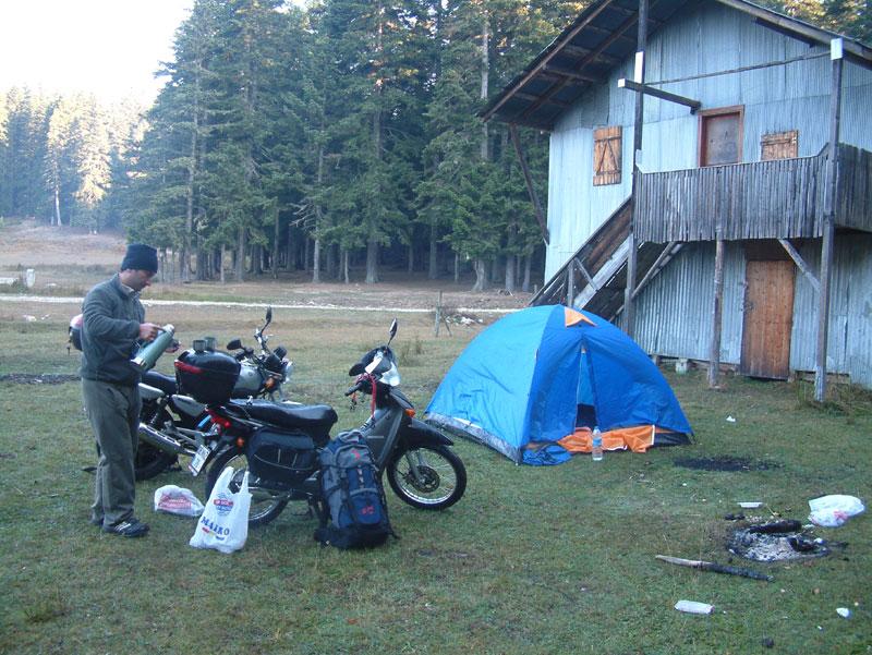 motosikletle çadır kampı