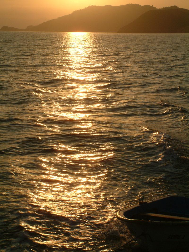 tekneden günbatımı