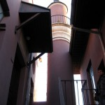 Kapı Üzerinde Minare