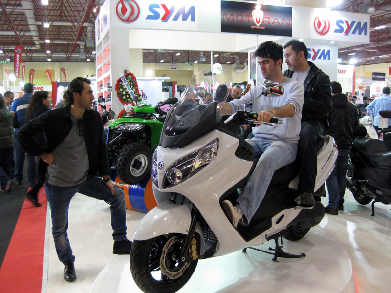 2013 Motosiklet Fuarı Max SYM 400i